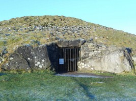 Photograph 2 of Cairn T passage tomb, Loughcrew