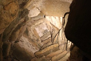 Photograph of roof structure inside passage tomb chamber, Newgrange