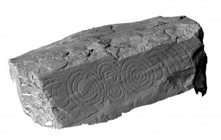 Perspective view of decorated kerbstone 65, Knowth
