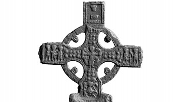 clones cross north cross